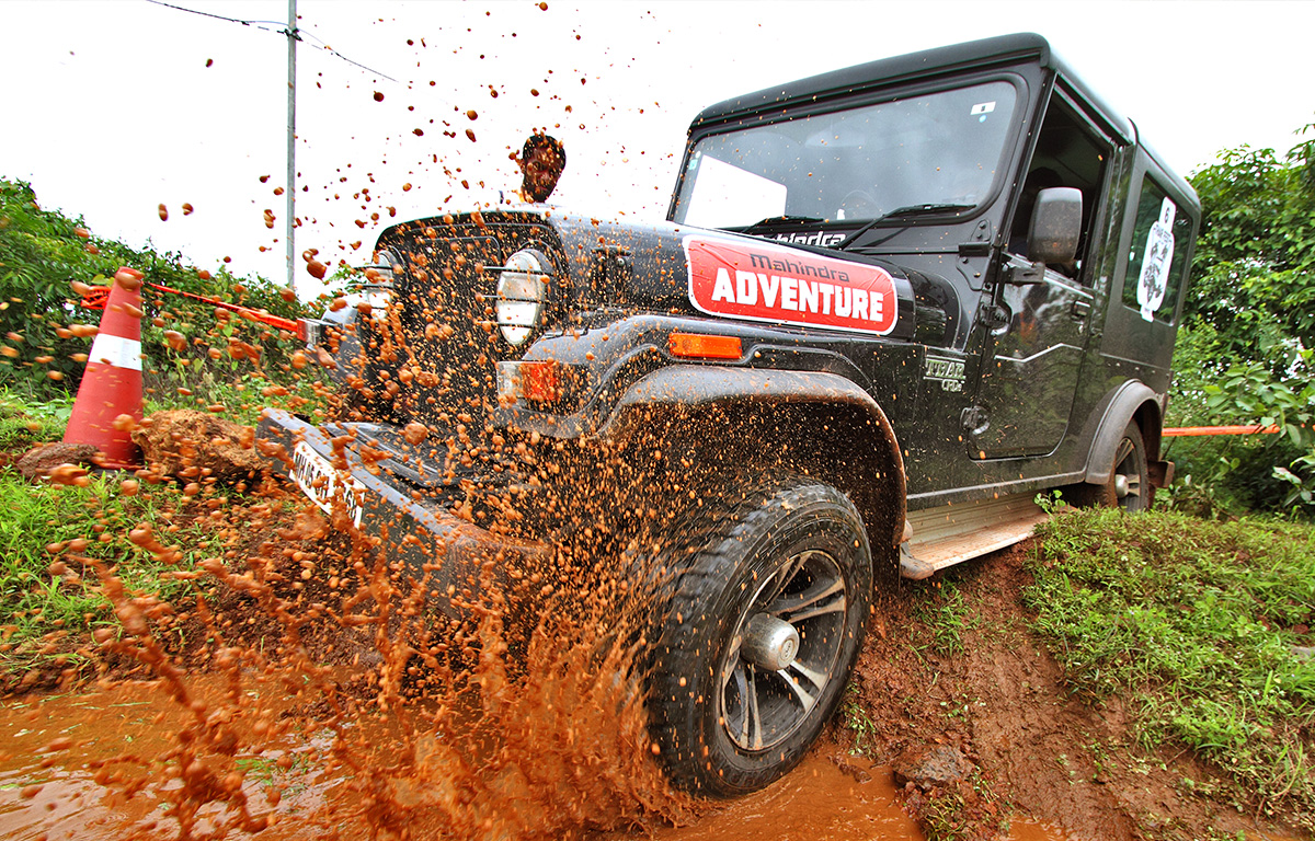 how to drive in mud with suv2